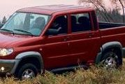 UAZ pick-up : le prolétaire rouge.