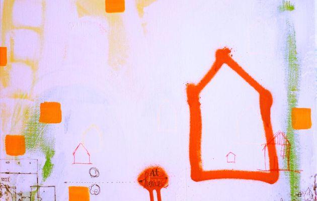 At home, avec le plan de la maison