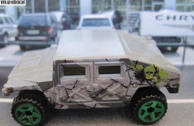 HUMVEE HUMMER HOT WHEELS 1/64 4X4 TOUT TERRAIN