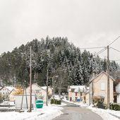 BRUYERES VOSGES : Pâques 2008, l'Helledraye après la Montagne du Château enneigée - Bruyères-Vosges