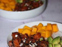 Poke Bowl (saumon, avocat et mangue)