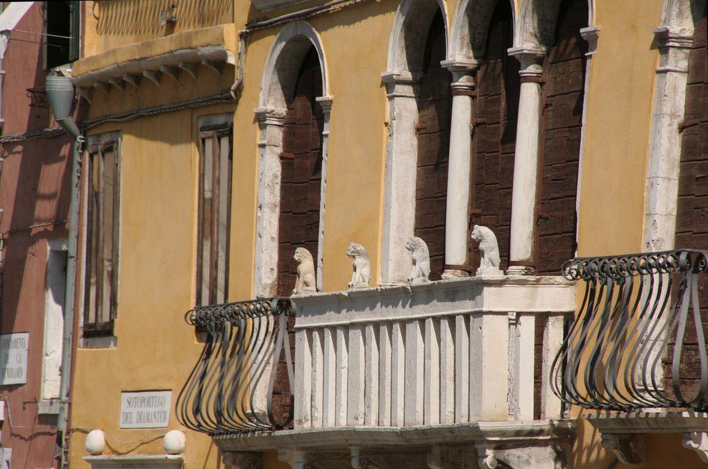 biennale - scènes de rue- architecture- canaux et ponts -