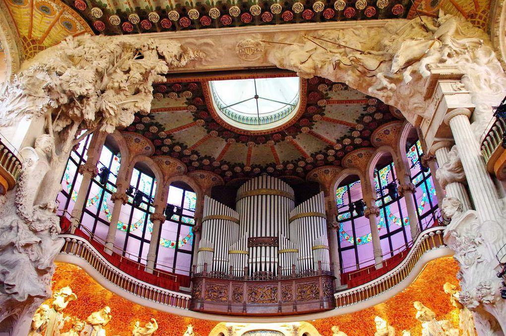 Marché de la Bocqueria & Palais de la Musique Catalane