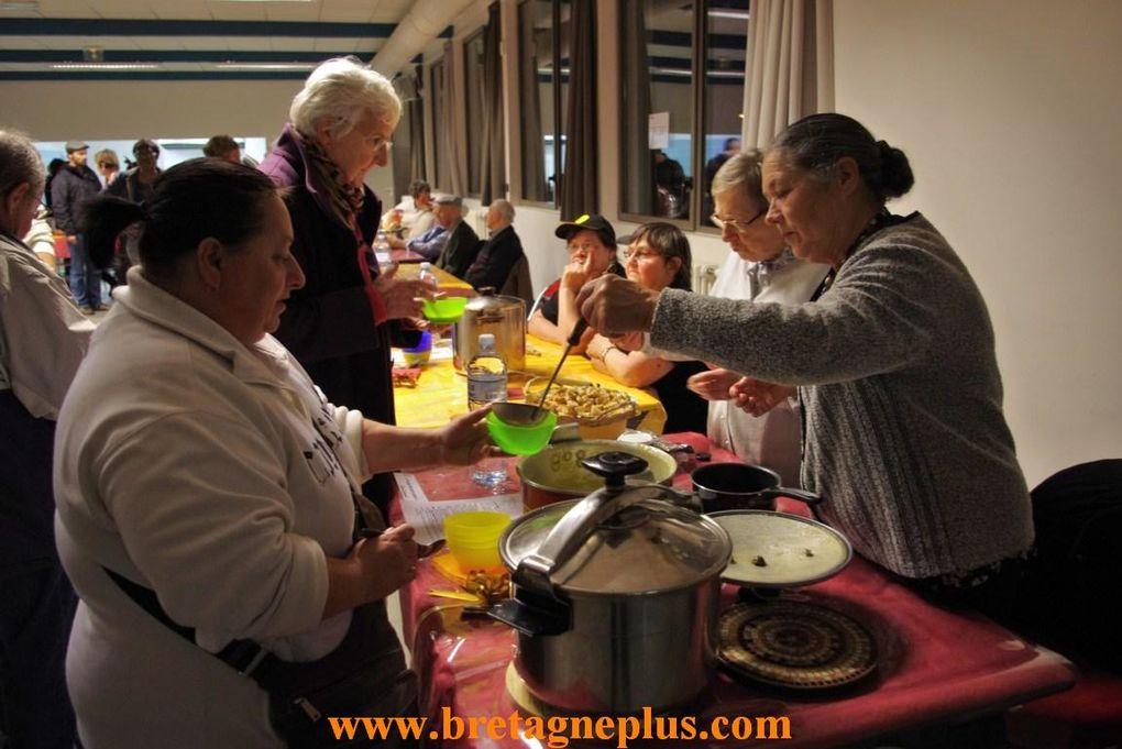 ce samedi 24 novembre, l 'atelier culturel de Maurepas, à Rennes, organisait la 10ème édition de la fête de la soupe .