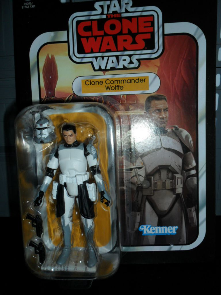 Collection n°182: janosolo kenner hasbro - Page 17 Image%2F1409024%2F20201123%2Fob_30908b_vc168-clone-commander-wolf