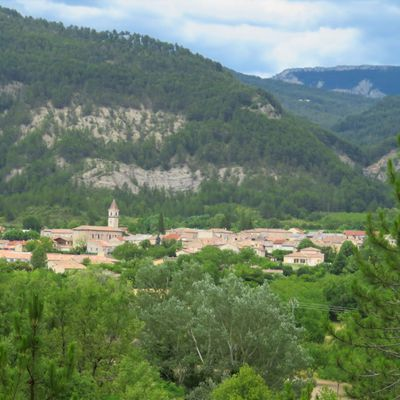 Le village de Luc-en-Diois (1) / Balade dans la Drôme