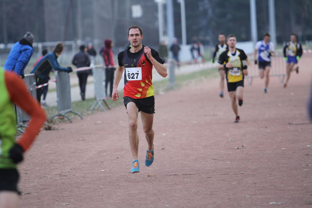 La belle course d'Emma Vella - Photos : @ Sports Vénissians et AFA Feyzin Vénissieux