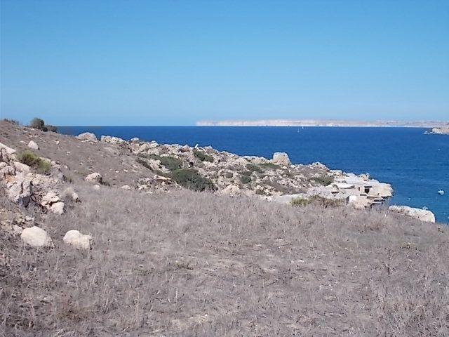 en classe, le boche, La Valette (le port), la piscine naturelle, les baies, la campagne avec ses murets, le lapin maltais: une spécialité gastronomique à Mgarr, Mosta un des 4 plus grands dôme au monde, un mariage, Mdina (la capitale aux temps des arabes)et une soirée des chandelles à Birgu proche de la Valette.