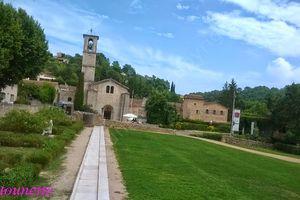 La foire aux santons de Valbonne: l'abbaye Sainte-Marie