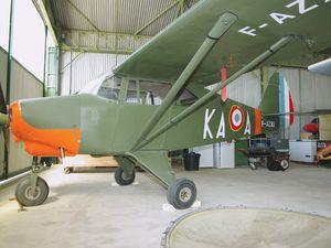 Ajout de photo du planeur Avia XV F-AZVI et du Piper PA-22 Tripacer F-AZXI.