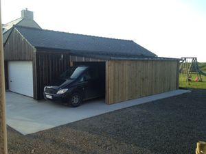 Extension du garage bientôt terminée.