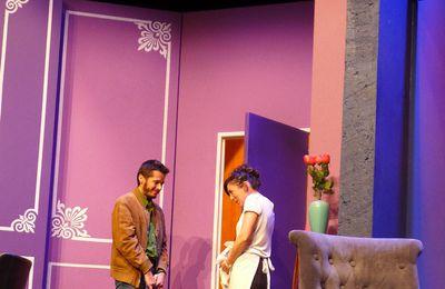 """""""Pour combien tu m'aimes ?"""", une comédie jouée par le Théâtre des Salinières..."""