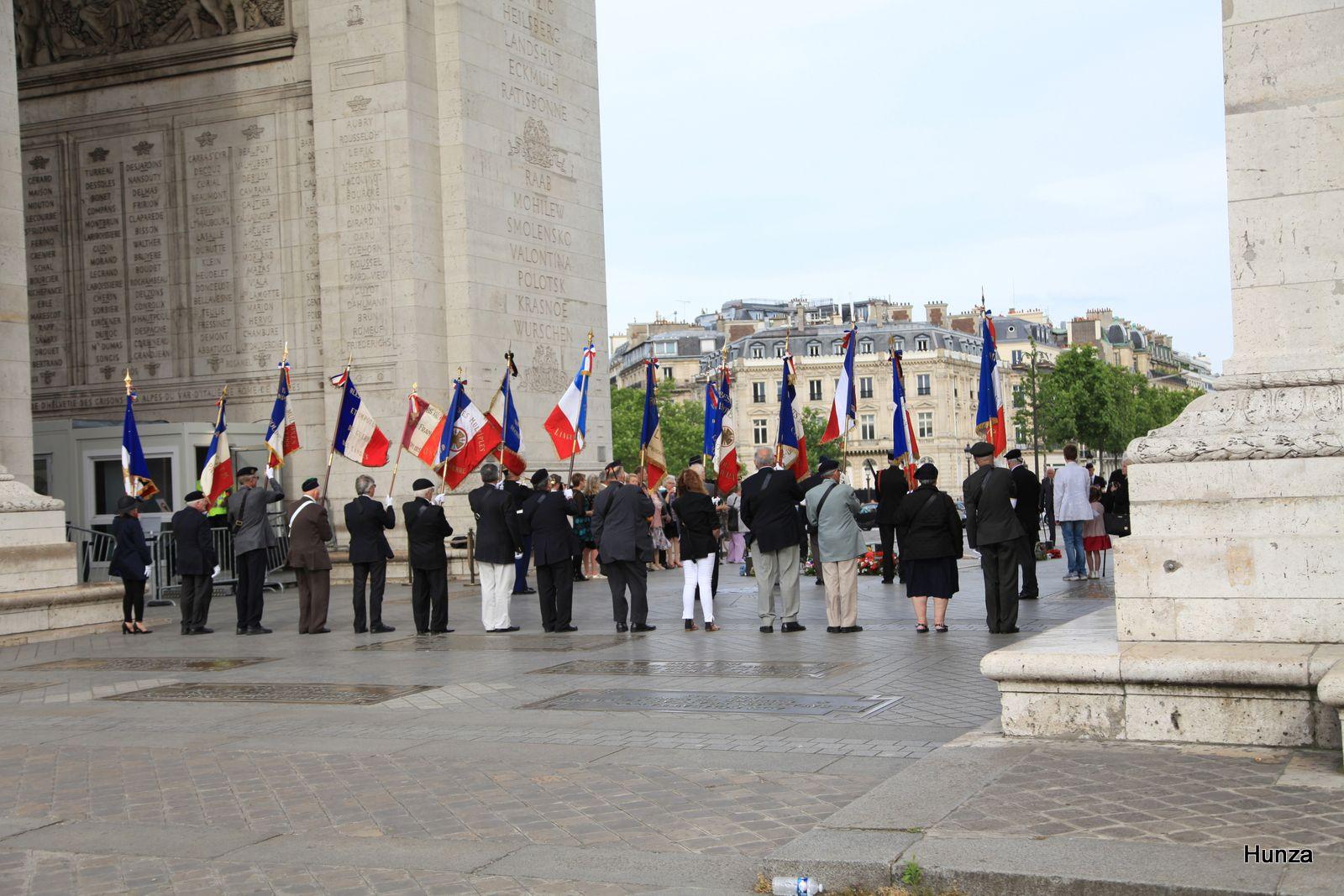 Arc de Triomphe, cérémonie du ravivage de la flamme
