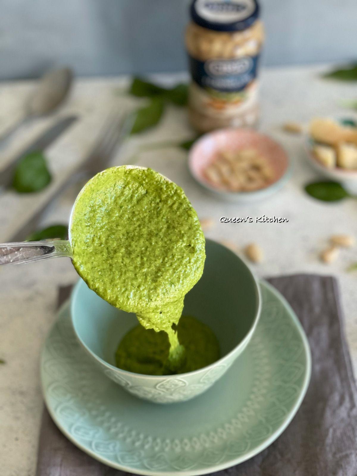 Crema di Fagioli Cannellini e Spinacini con Crumble salato al Parmigiano
