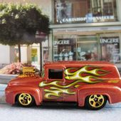56 FORD F-100 HOT WHEELS 1/64 - car-collector.net