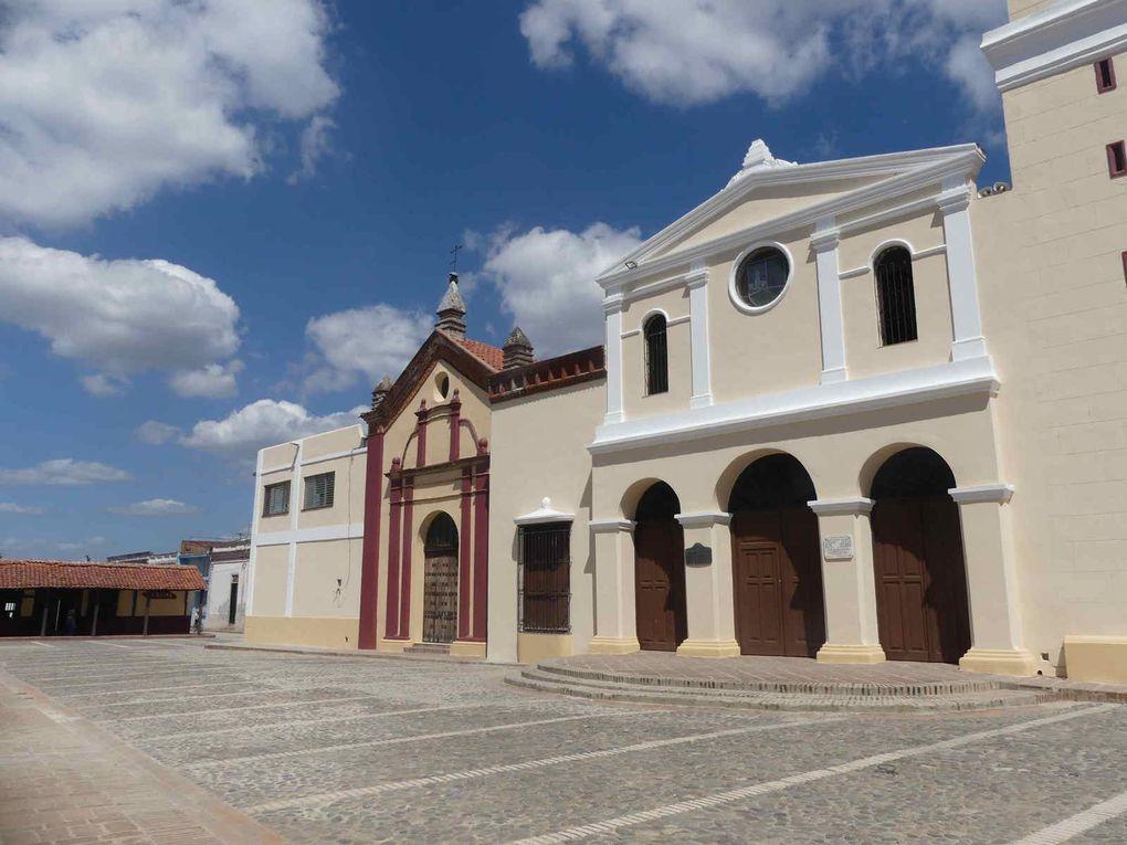 Invitation au voyage : En route pour Santo Domingo avec une halte à Bayamo.