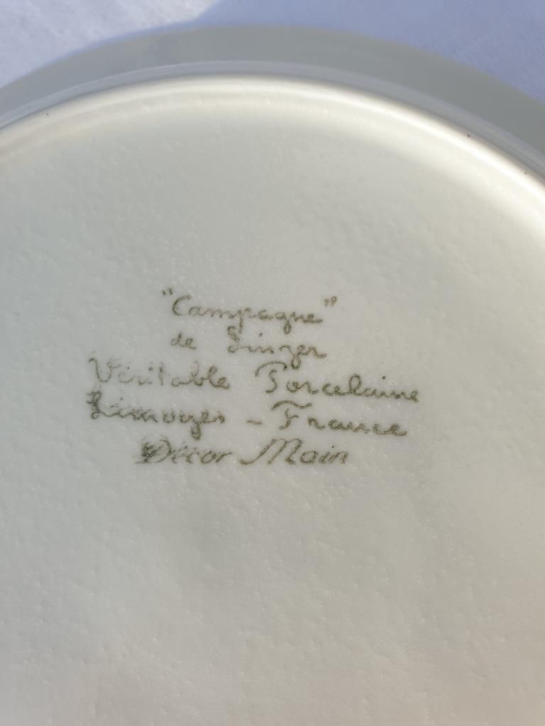 SET 11 ASSIETTES PORCELAINE DECOR MAIN CAMPAGNE DE SINGER LIMOGES - 25 euros