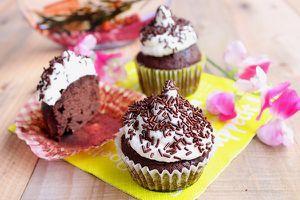Hi-Hat Cupcakes {Cupcakes au Chocolat Noir Meringués}