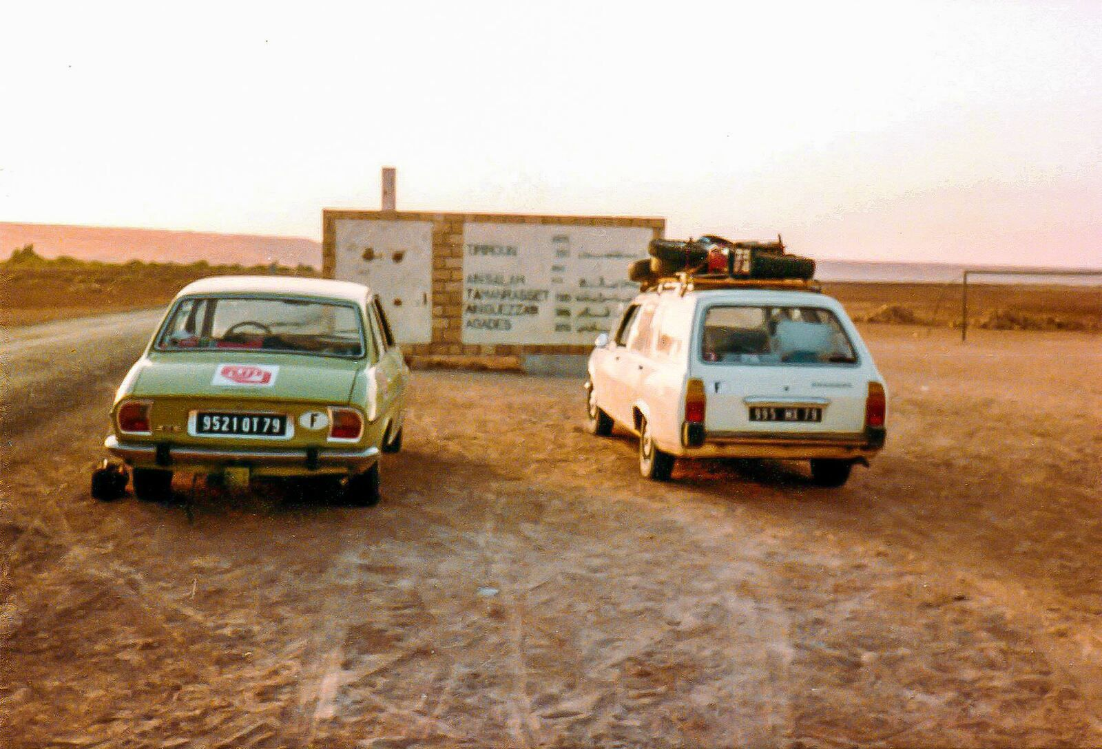 Route vers Tamanrasset (A la sortie d'El Goléa?)