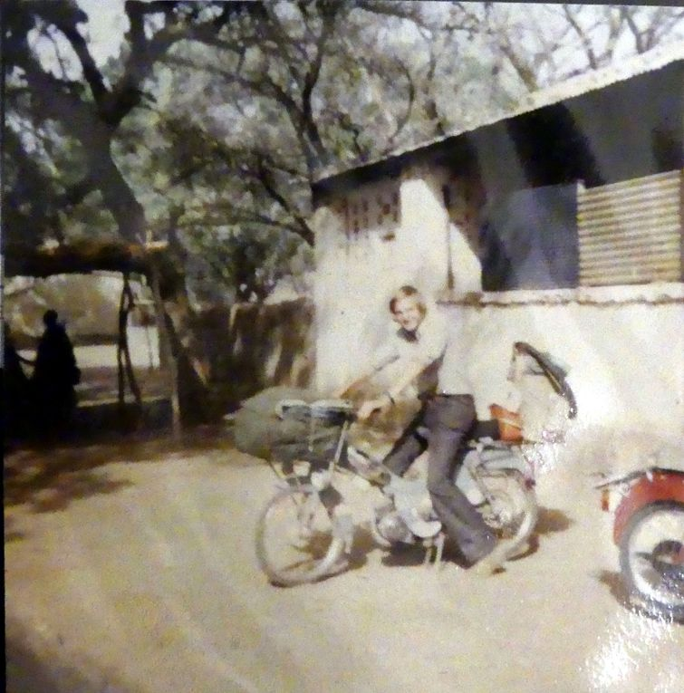 1971, Paris Abidjan Dakar en Mobylette