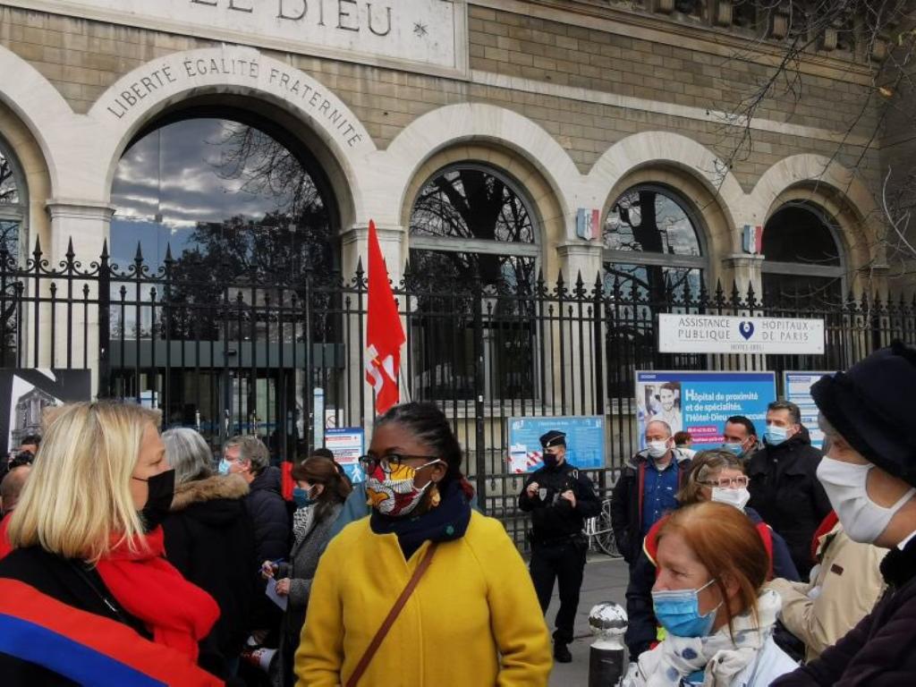 135 euros pour avoir manifesté contre la fermeture des urgences de l'Hôtel-Dieu de Paris