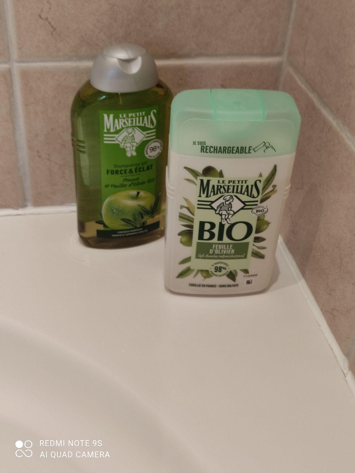 Gel douche certifié Bio aux feuilles d'olivier du petit marseillais