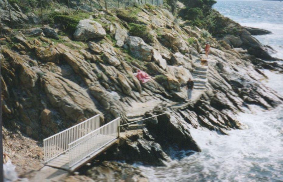 1995 Aménagement sentier des Grottes par l'ADIL