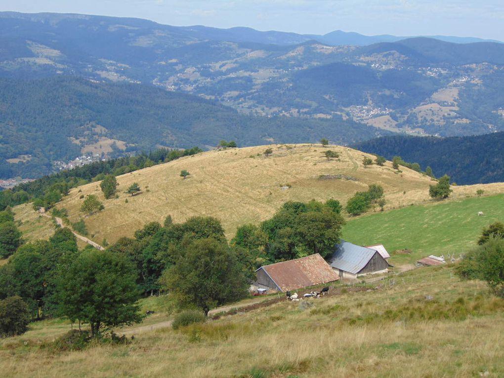 La ferme de montagne Groth. Vue dans la vallée.