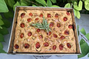 Focaccia tomates et romarin