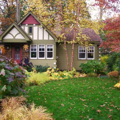 Selling a House in the Fall Real Estate Market