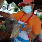 Som tam, khao niao, kai yang - Scène (repas) de la vie quotidienne (21-07) - Noy et Gilbert en Thaïlande