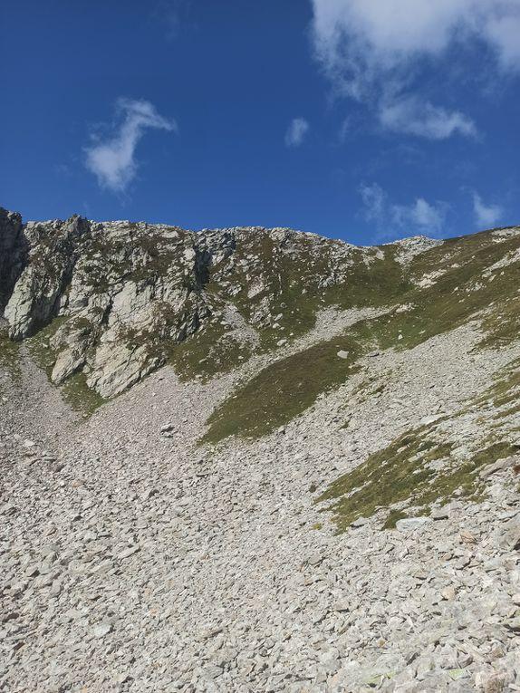 Passage en crête avant de monter à la pointe de Rognier
