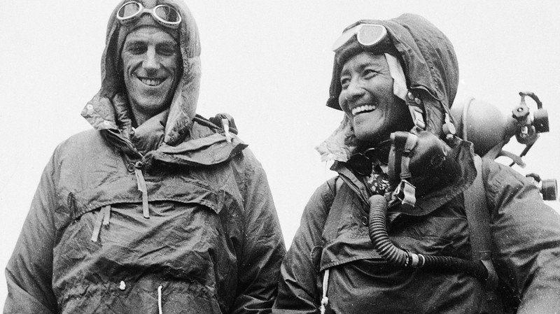 Edmund Hillary et Tensing Norgay - premiers hommes à gravir l'Everest