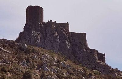 Visite du château de Quéribus à Cucugnan, dans l'Aude.