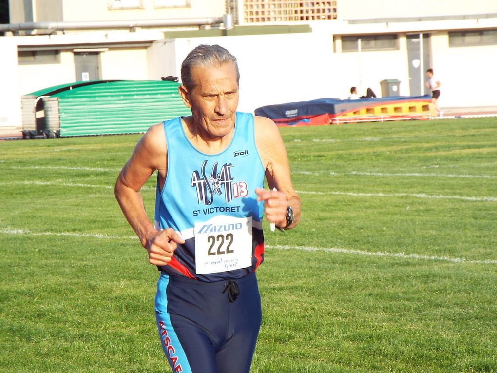 Première série du 3000 m.- St Joseph