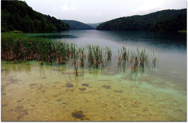 Lacs et plans d'eau envahis par le Tuf Calcaire (Travertin).
