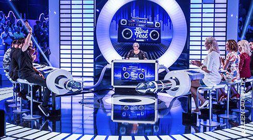 « Le Grand Blind Test » avec Amanda Lear, Courbet, Quétier ce vendredi soir sur TF1