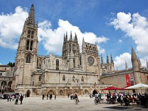 Emanuela Pagan e il Cammino di Santiago. La 13^ tappa da Agés a Burgos. Basta roncadores! Ultreya!