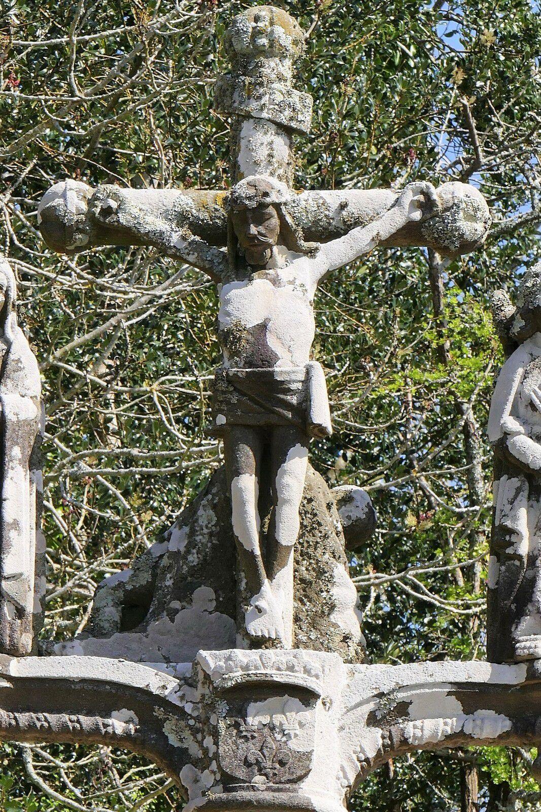 Calvaire du cimetière bas de La Forest-Landerneau. Photographie lavieb-aile 2021.