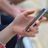 Science décalée : comment détecter la personne qui ment par SMS ?