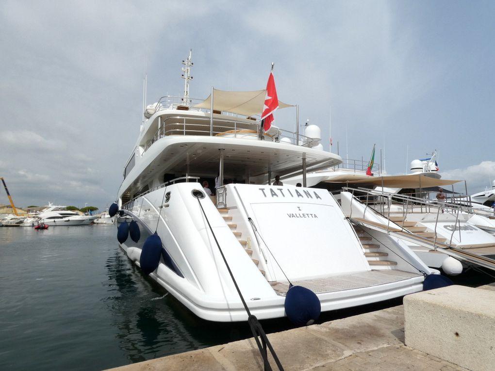 TATANIA I , a quai dans le port de Saint Tropez le 12 juillet 2021