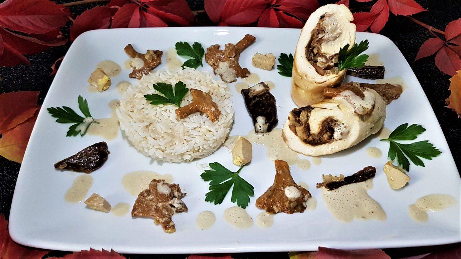 ballotines de volaille farcies aux girolles, cèpes, foie gras, sauce albufera