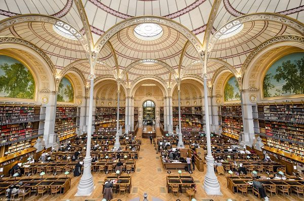 LA BIBLIOTHEQUE NATIONALE DE FRANCE