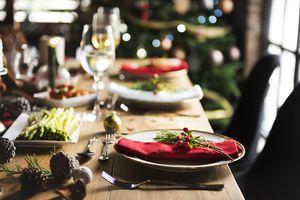 Covid : l'OMS recommande un Noël en petit comité