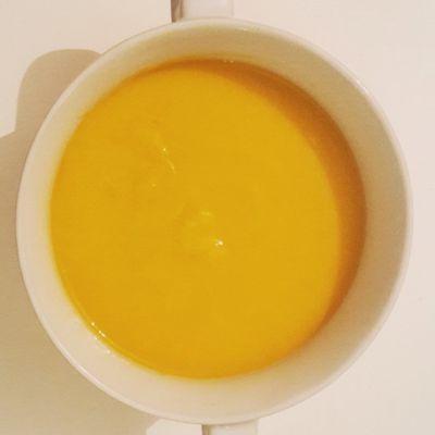 Soupe de patate douce, carottes et poireaux