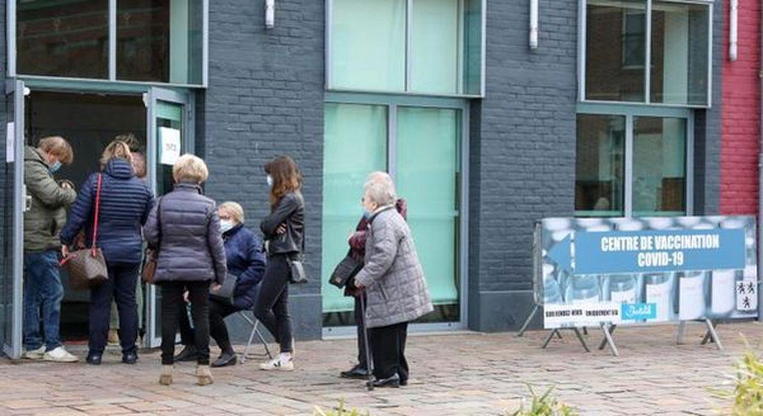 Nouveau centre de vaccination Salle Catry Roncq centre... pour les Halluinois notamment - 20 Mars