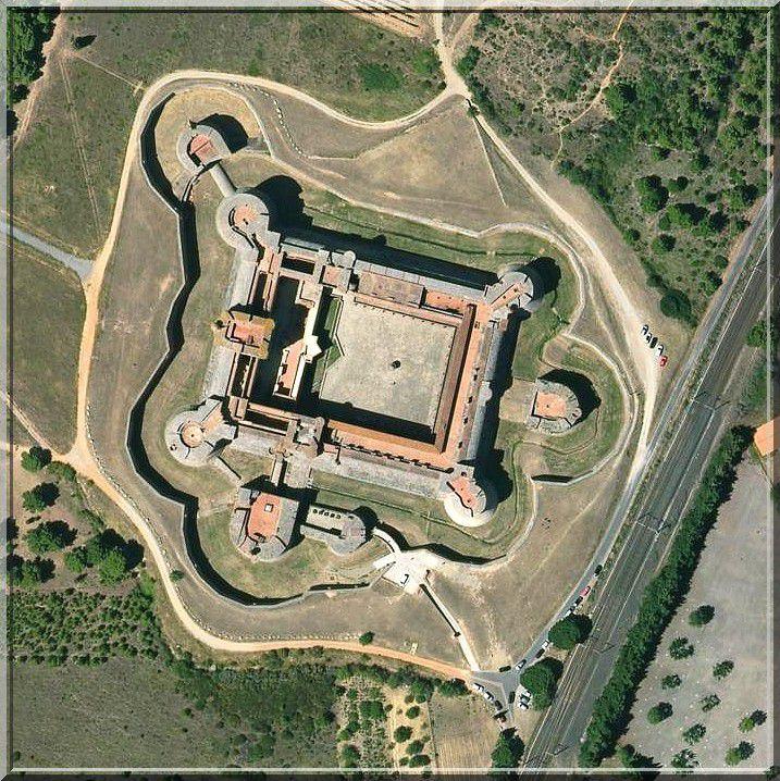 Diaporama des 3 châteaux à Salses le Château