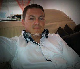 Photo volées à Stéphane G. qui est victime de l'utilisation de ses photos dans des arnaques aux sentiments