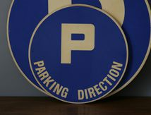 Panneau place de parking direction Vintage