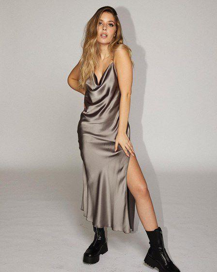 Conheça a coleção de roupa lançada por Sara Carreira